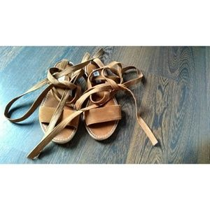Steve madden lace up brown sandals size 7.5